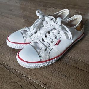 Levi's stan buck white shoes